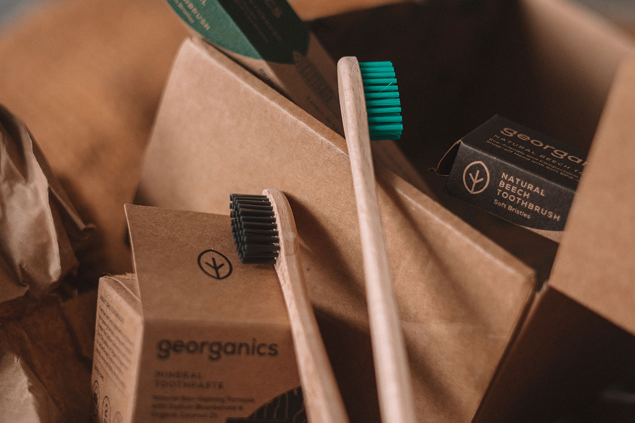 Go Green with Eco-Friendly Cosmetic Packaging